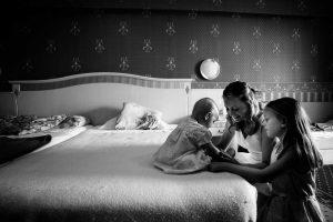 La mamma e i suoi angeli - Il Bianco e Nero coinvolgente